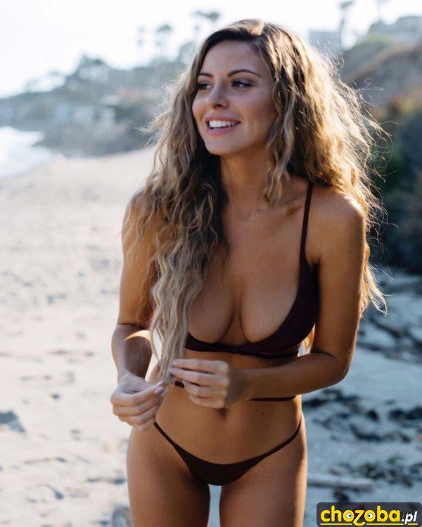 W bikini