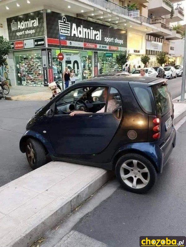 samochod-sie-zawiesil